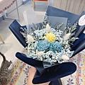 乾燥花材哪裡買推薦,台北喜歡生活-藍色玫瑰花束.JPG