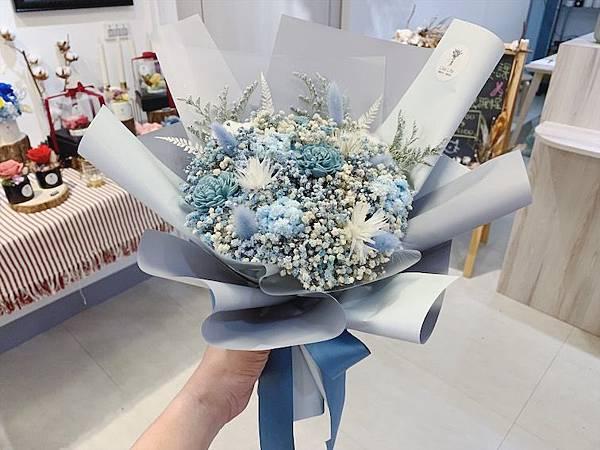 乾燥花花材台北推薦,,質感滿天星乾燥花束,韓式乾燥花束.JPG