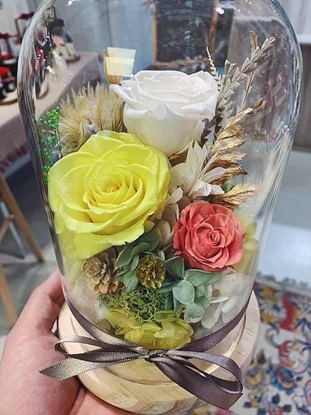母親節花束推薦,永生花玻璃罩黃色.JPG