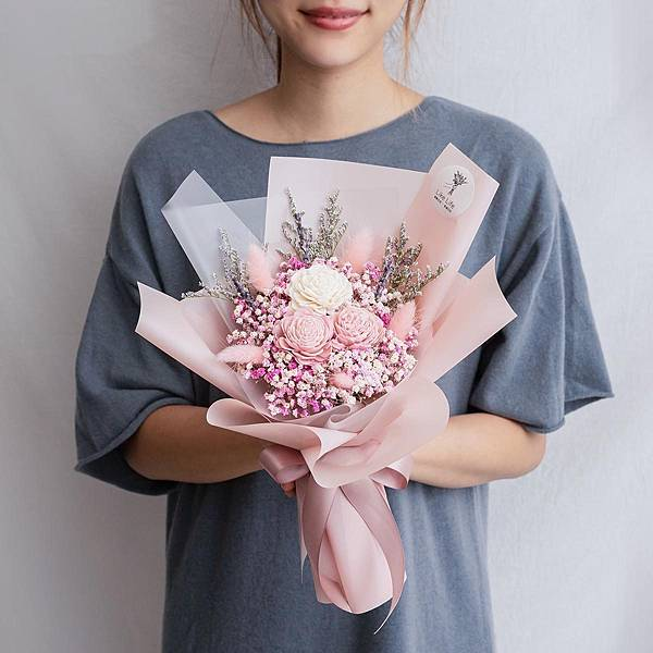 粉色玫瑰乾燥花束玫瑰乾燥花束粉色手拿台北喜歡生活乾燥花店.jpg