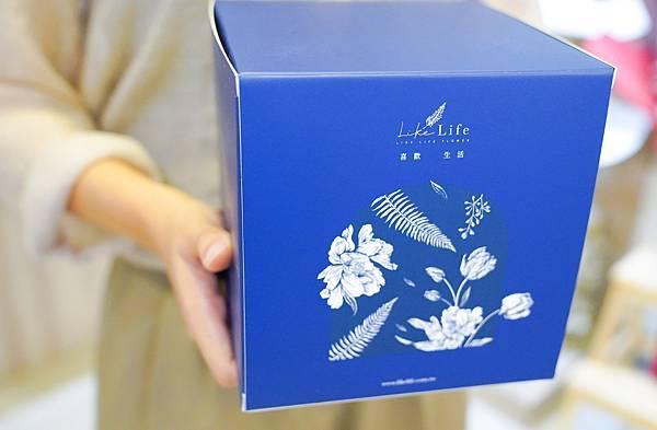 永生花玻璃罩禮盒包裝服務,代客送花推薦.JPG