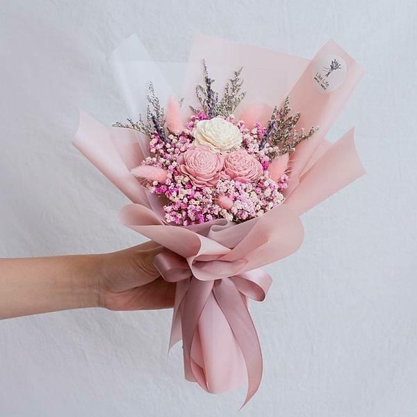 粉色滿天星花束,代客送花到彰化.jpeg