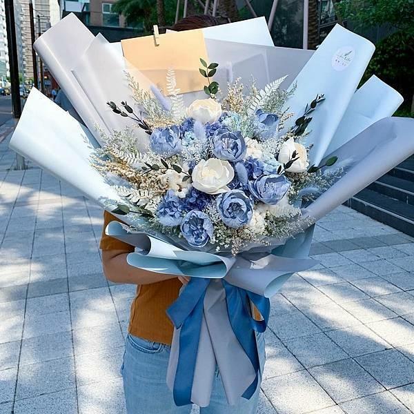 藍色永生花束,花藝教學,插花課程彰化推薦.jpeg