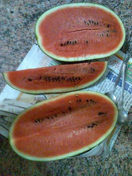 0526飯後水果是西瓜 :)