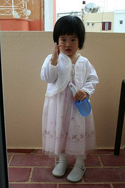 Irini 參加婚禮的禮服