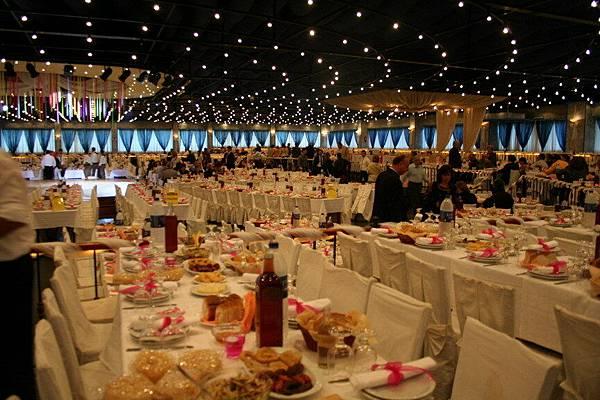 與希臘阿公參加1個千人喜宴的婚禮