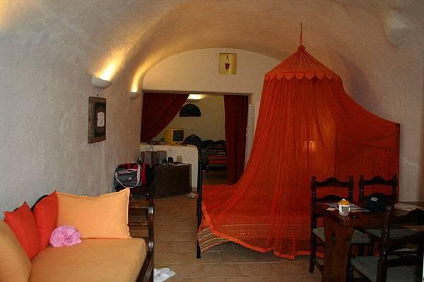 Santorini 的洞穴旅館