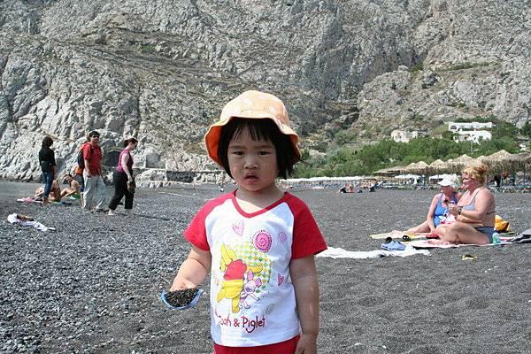 Kamari Beach  (火山岩海灘)