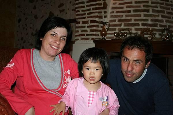 Irini 與希臘阿姨及姨丈合照