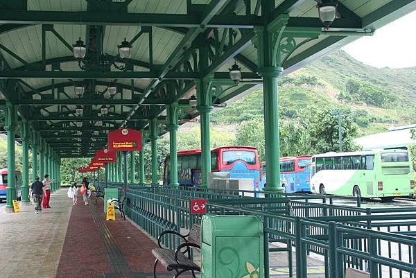 Disneyland 巴士站