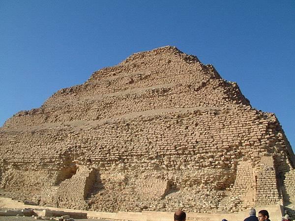 階梯金字塔