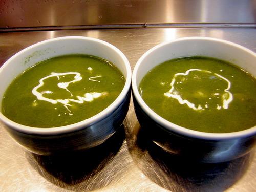 想不到口味的海鮮蔬菜湯..裡面吃得到了整座龍王宮的料~