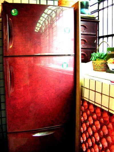 冰箱被擺在陽台