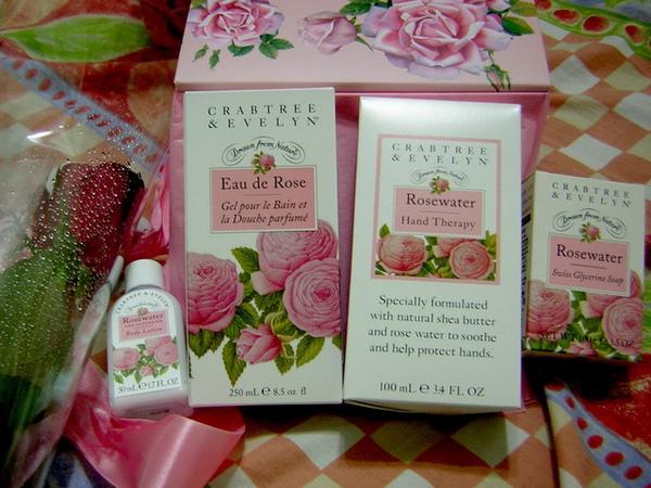 哇~ 是我喜愛的瑰柏翠薔薇香氛禮盒 !