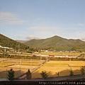 窗外的慶州有鄉間氛圍