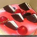 希望明年公司可以送小一點的蛋糕,好嗎?