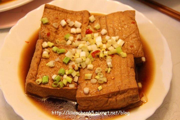 莉莉安的私房菜.....紅燒油豆腐