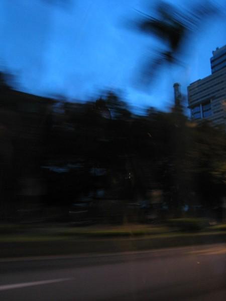 20071005清晨5點50分清晨計程車奔馳在羅斯福路.jpg