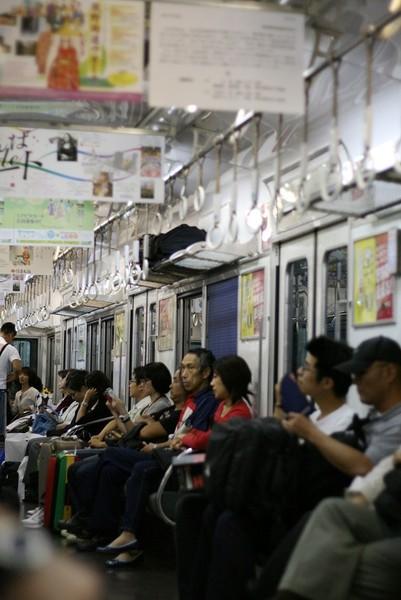 20071005搭乘南海電鐵到市區2.jpg