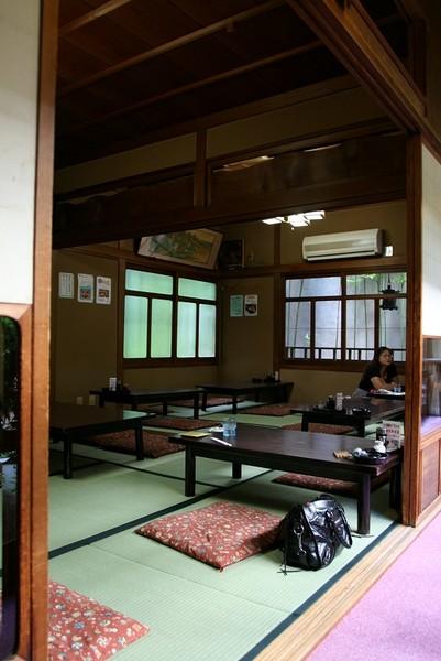20071005北極星心斎橋本店和風用餐座位.jpg