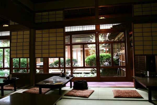 20071005北極星心斎橋本店和風用餐環境.jpg