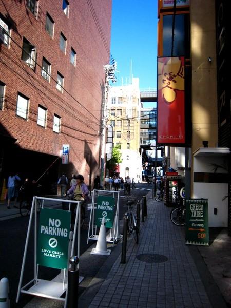 20071005ハートンホテル心斎橋門口即可見大丸.jpg