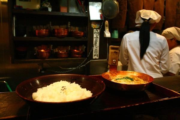 20071005法善寺橫丁喝鈍かつどん上桌2.jpg