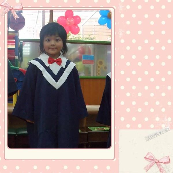 女兒的畢業照