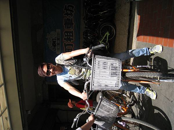 到了旗津,來騎單車