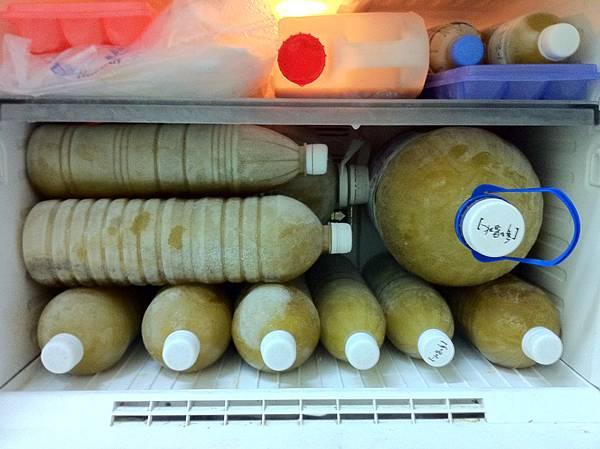 2011.12.12 塞爆的冰箱