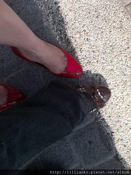 超強的兩個女生!穿高根鞋玩遊樂園!!!