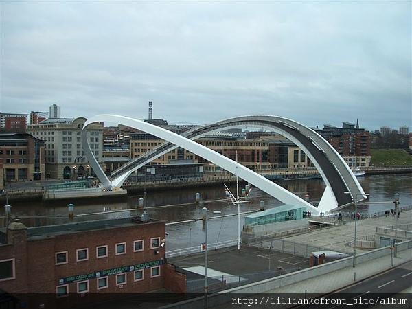 這就是橋被打開的樣子