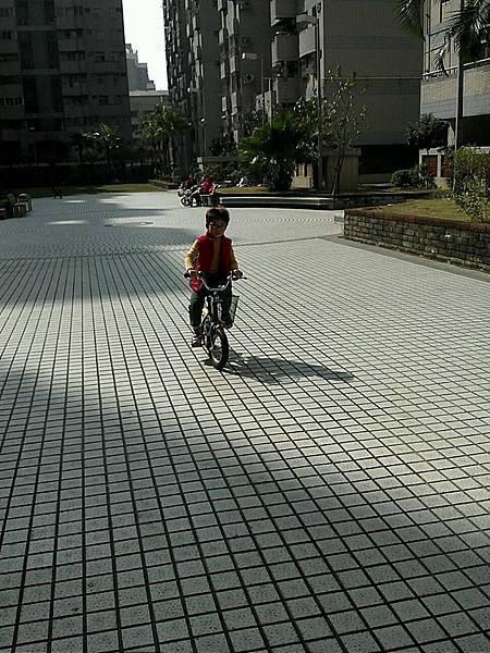 會騎單車了2
