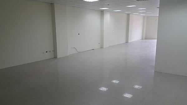65000正自強南大辦公室租金便宜(郭)_170621_0008.jpg