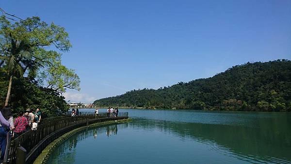 17露。梅花湖05.jpg