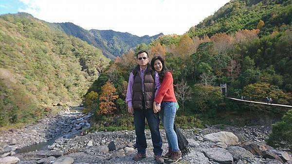 秀巒楓紅野溪溫泉07.jpg