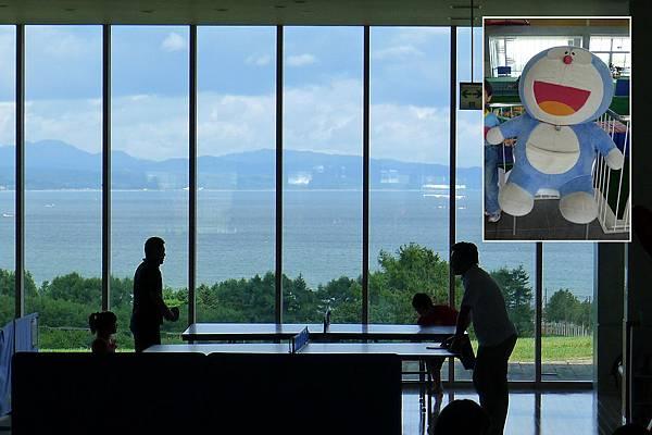 噴火灣無敵海景桌球桌和多啦A夢