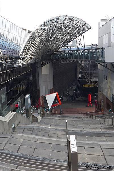 0121_京都車站-大階段_signed.JPG