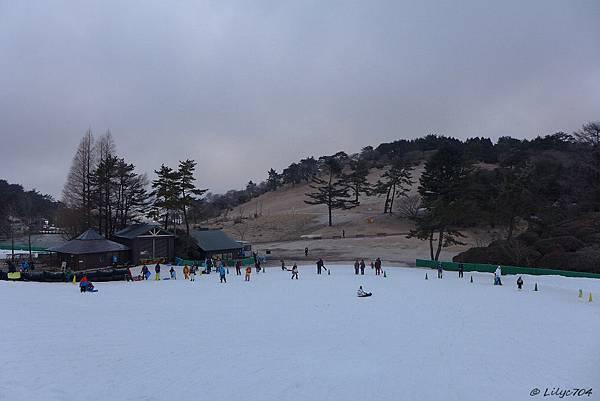 0126_滑雪場全貌_signed.JPG