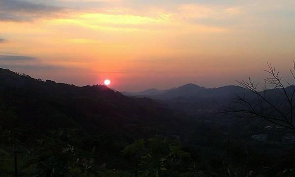 巫婆農場夕陽