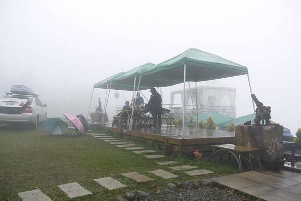 虎嘯山莊露營棧板1