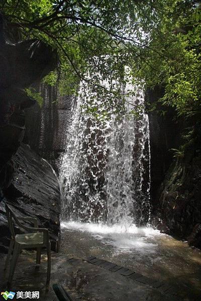 聽瀑瀑布1