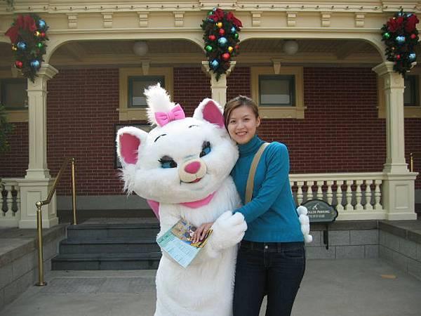可愛的瑪莉貓...忍不住要抱一下