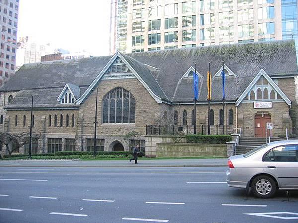 路邊的教堂