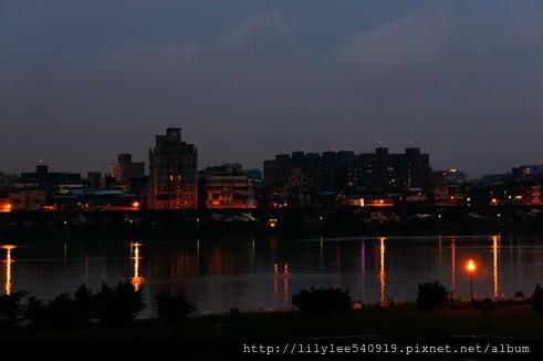 河堤夜拍_04.jpg