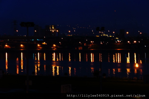 河堤夜拍_10.jpg