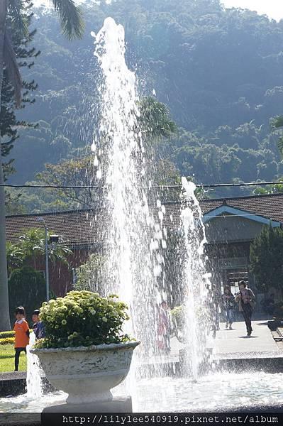 噴泉水舞_03.jpg