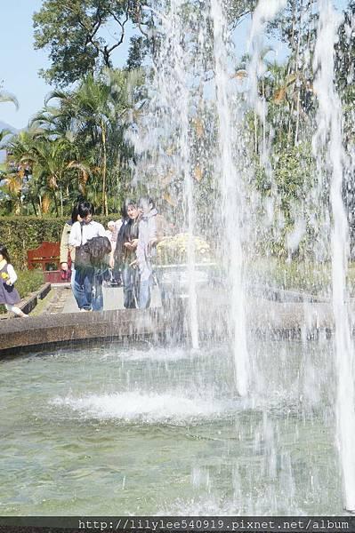 噴泉水舞_04.jpg