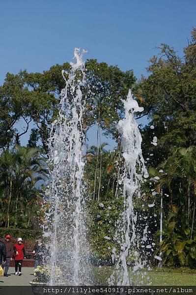噴泉水舞_10.jpg