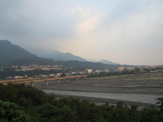 黃昏時的山地們大橋 回屏東我常來此地看夕陽